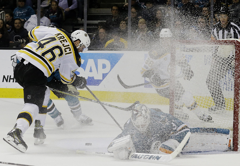 Bruins_sharks_hockey_13356