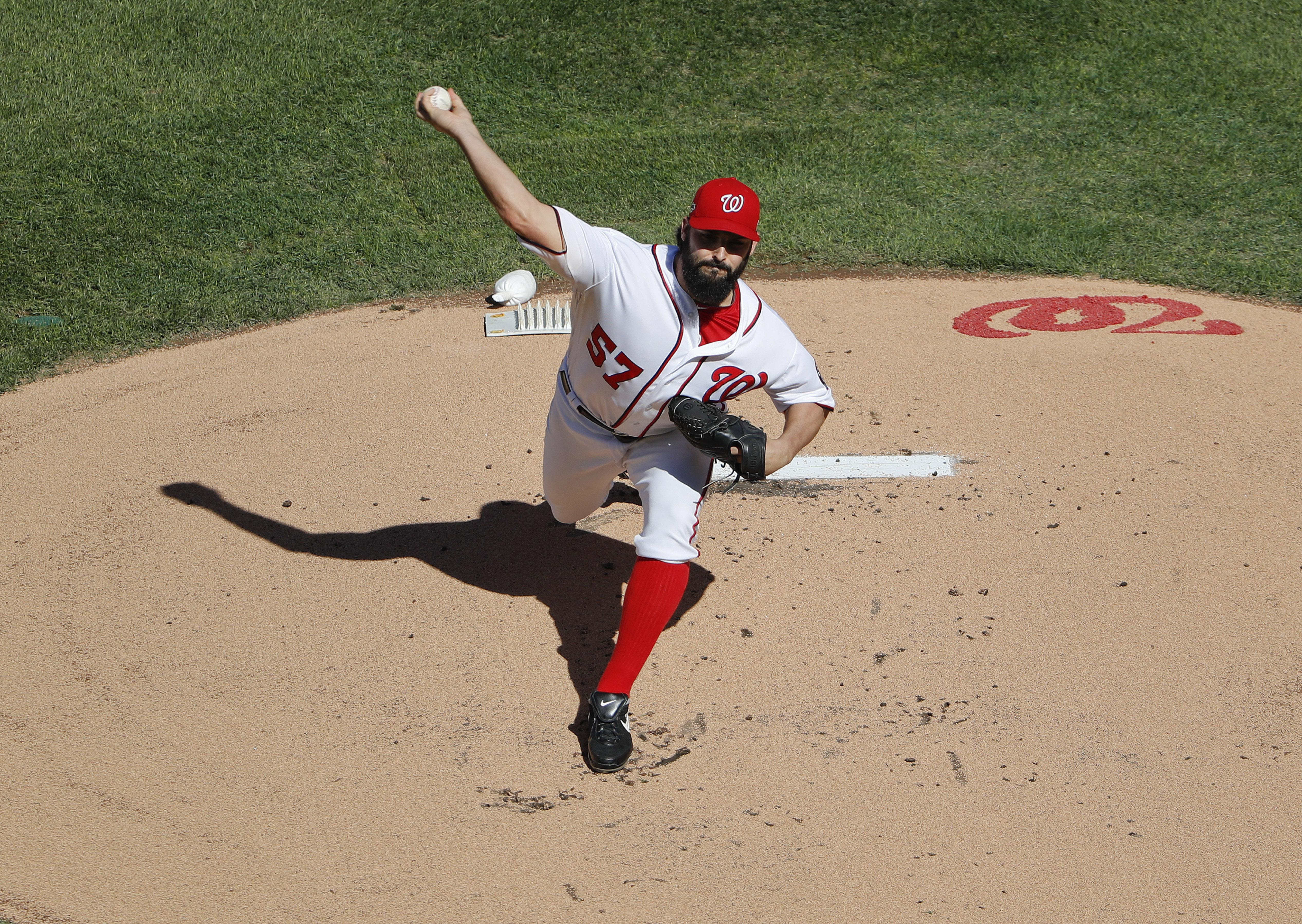 Nationals_baseball_roark_91138