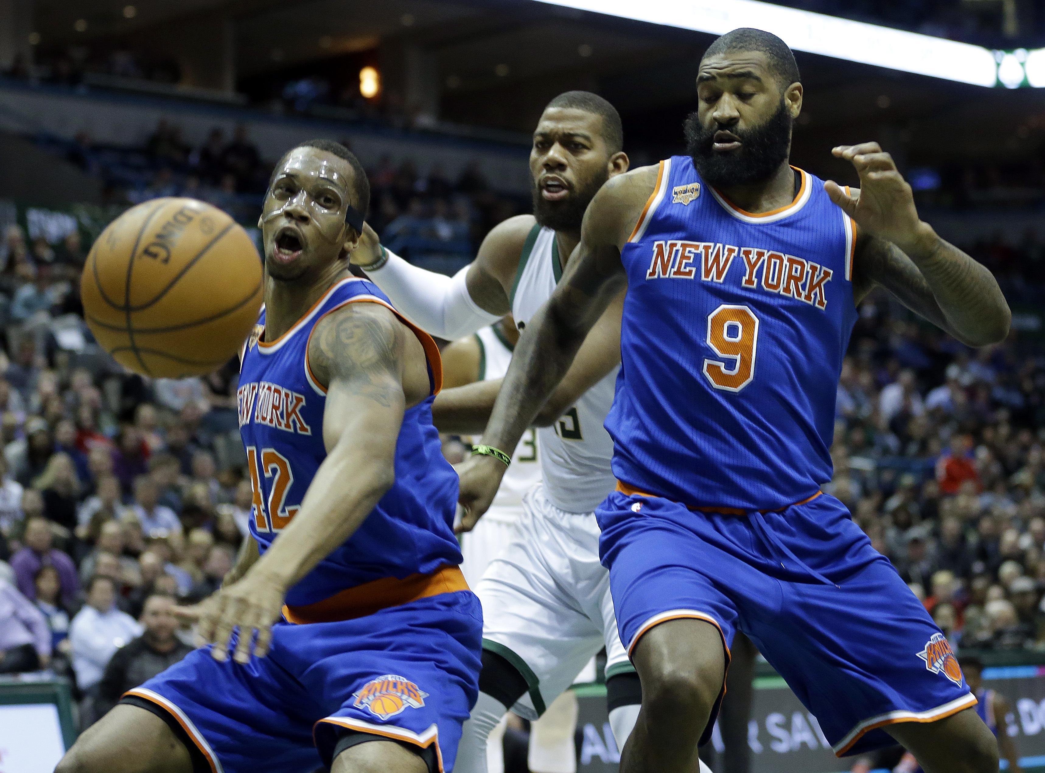 Knicks_bucks_basketball_39567