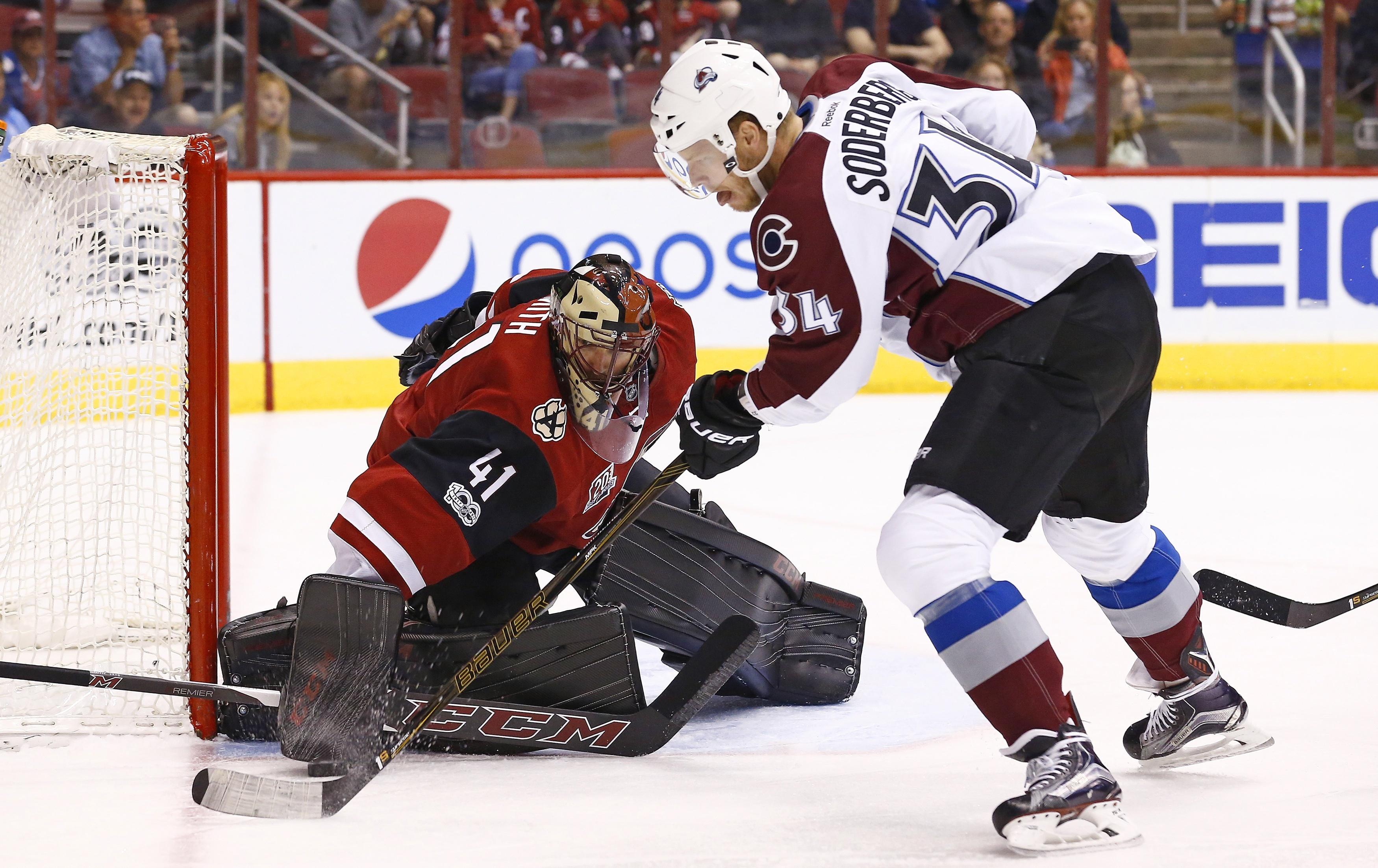 Avalanche_coyotes_hockey_78283