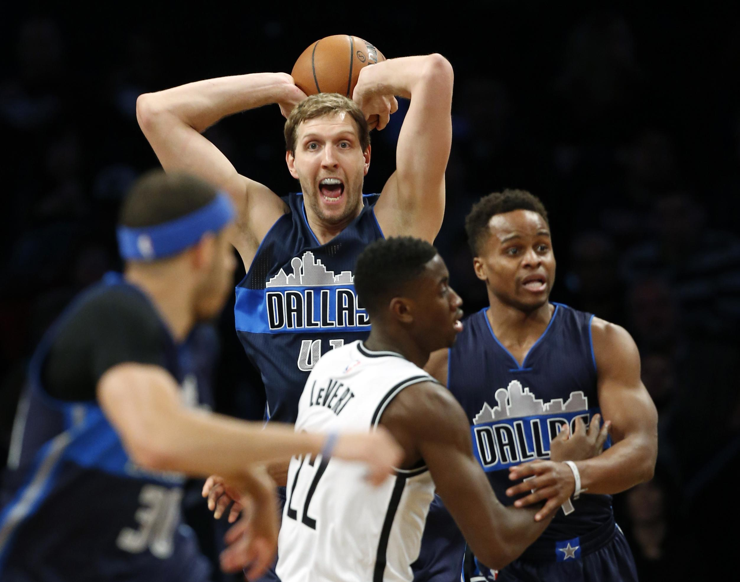 Mavericks_nets_basketball_88859