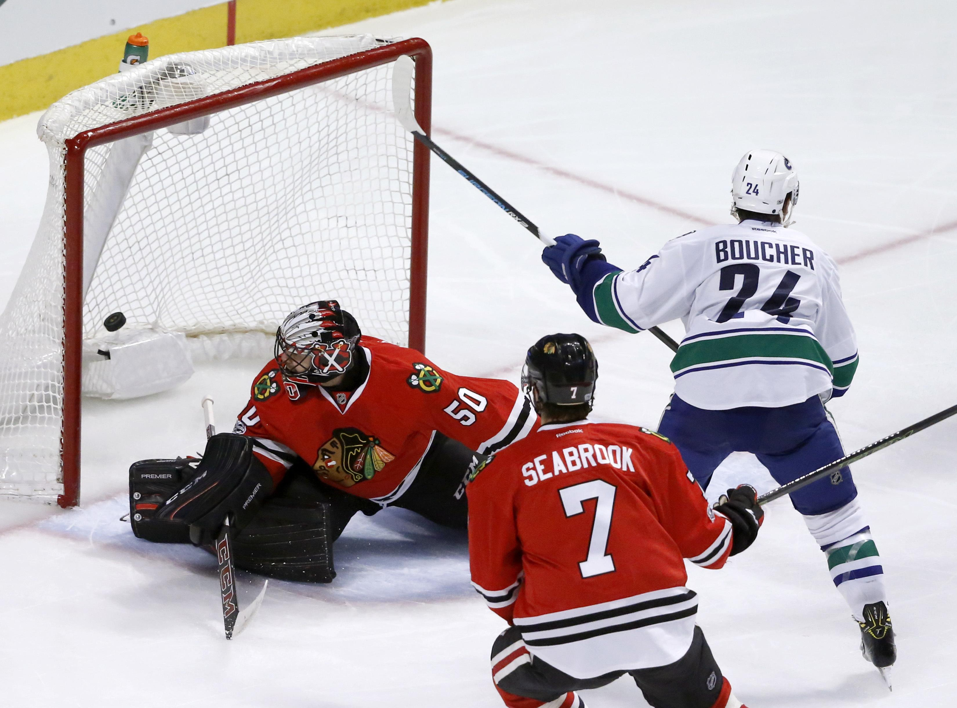 Canucks_blackhawks_hockey_28988