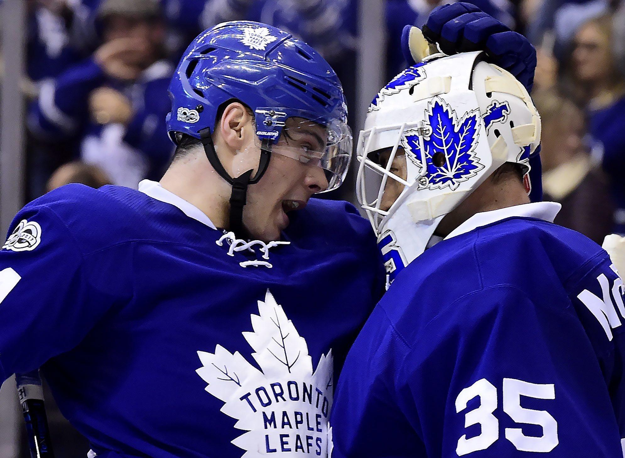 Devils_maple_leafs_hockey_14305
