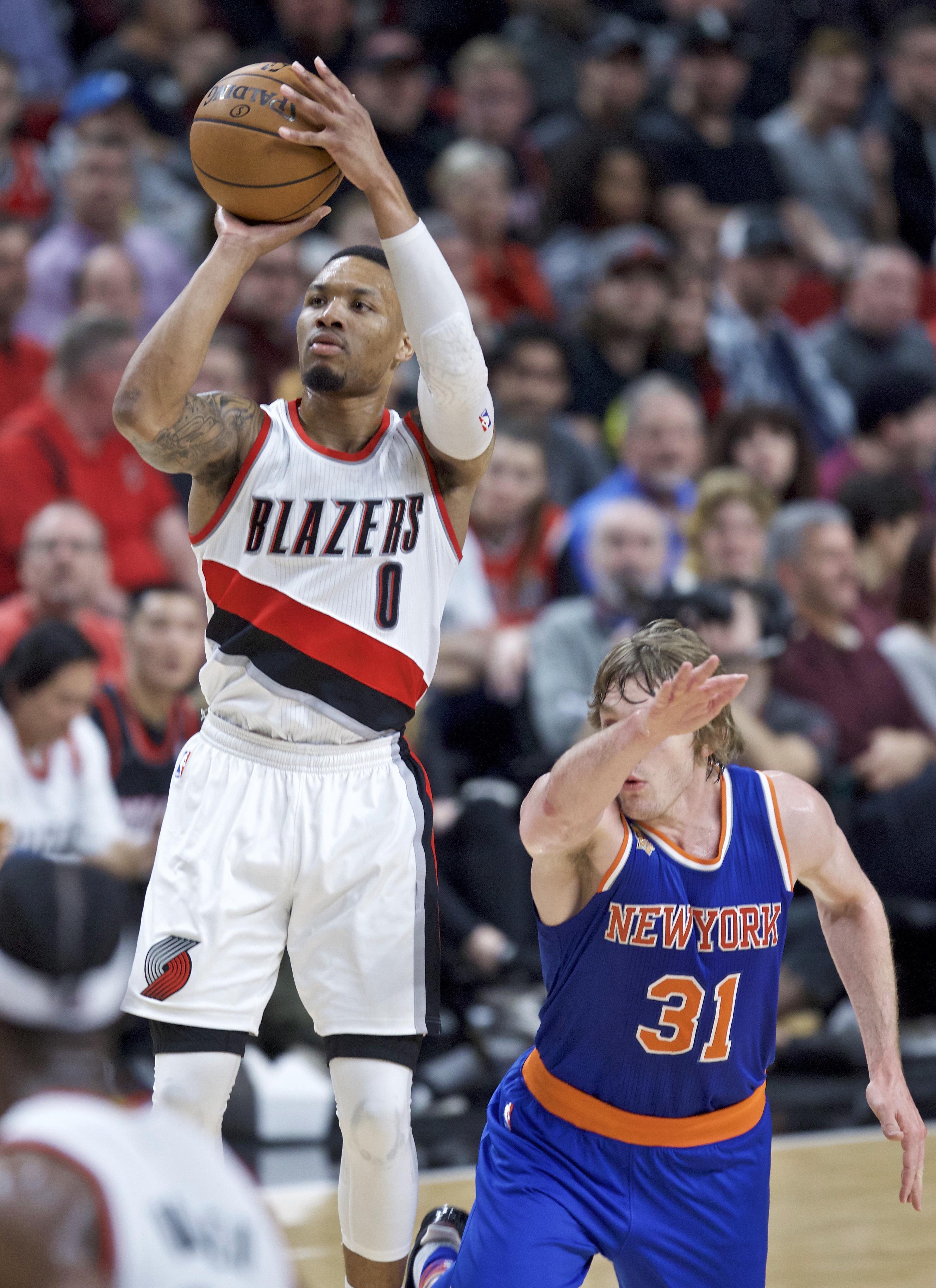 Knicks_trail_blazers_basketball_87370