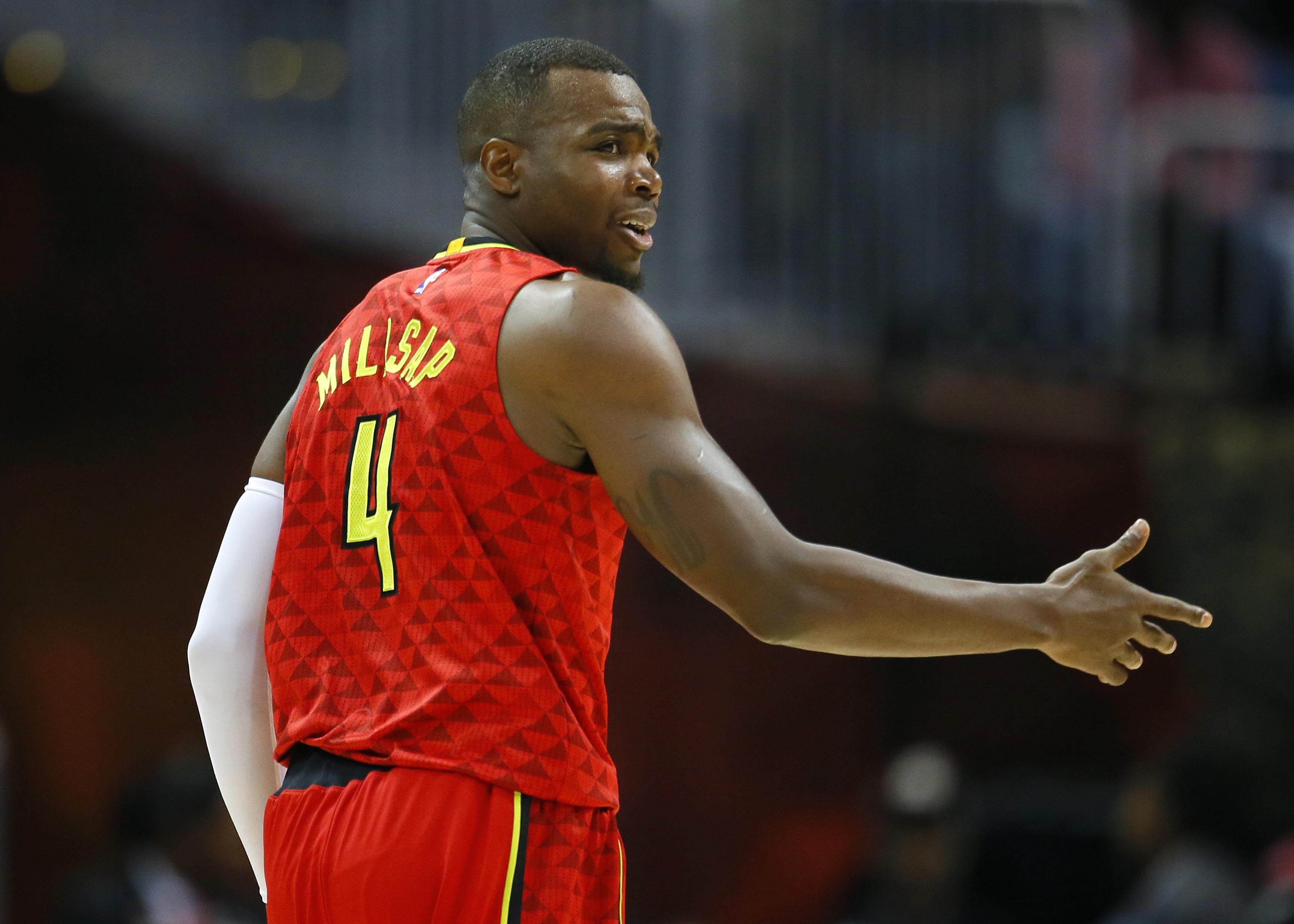 Cavaliers_hawks_basketball_55159