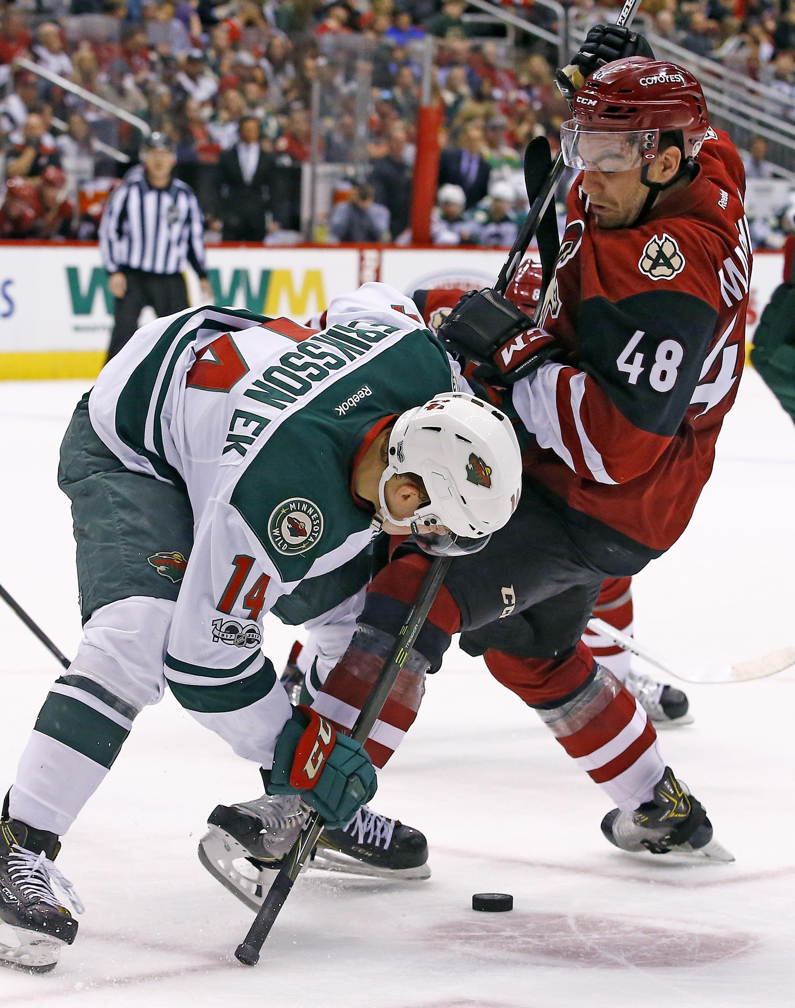 Wild_coyotes_hockey_90051