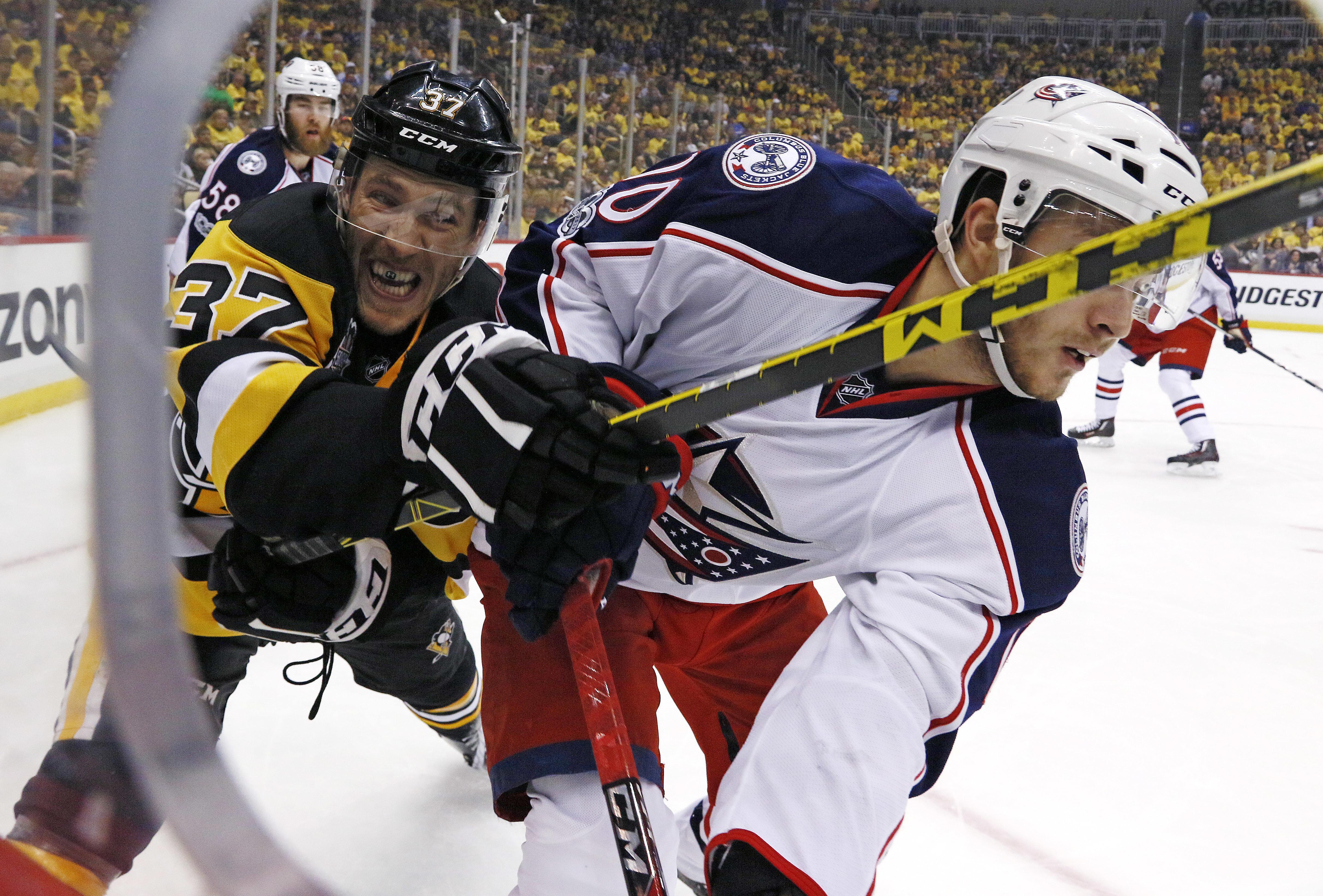 Blue_jackets_penguins_hockey_43649