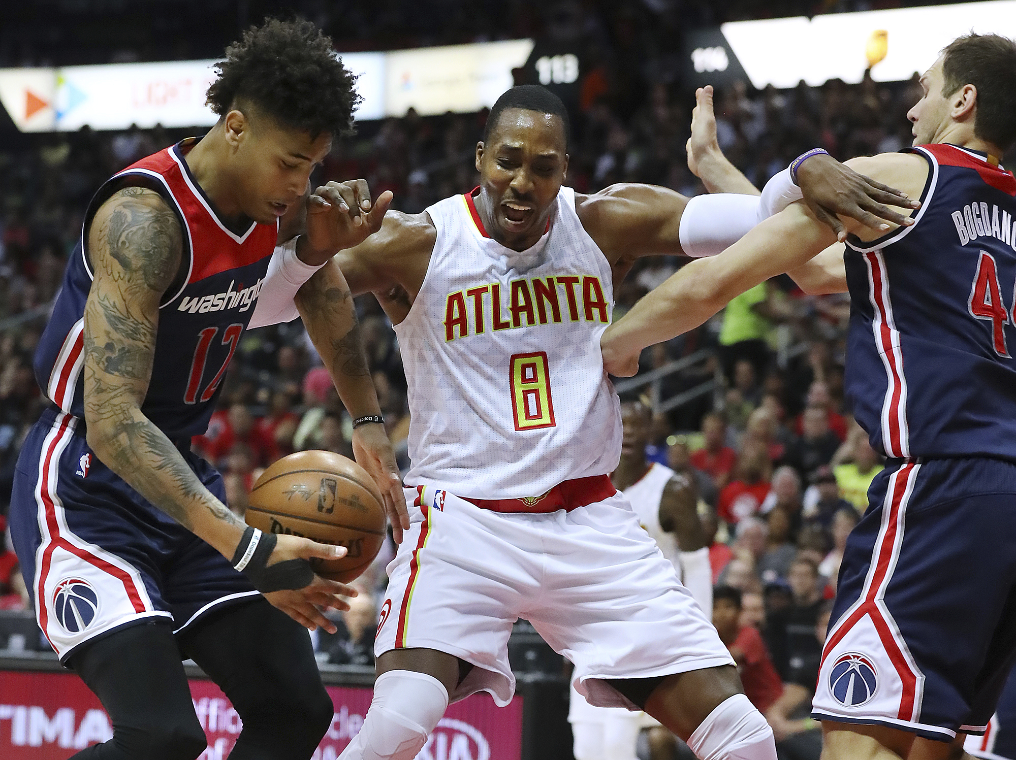 Wizards_hawks_basketball_50176.jpg-3e1c6