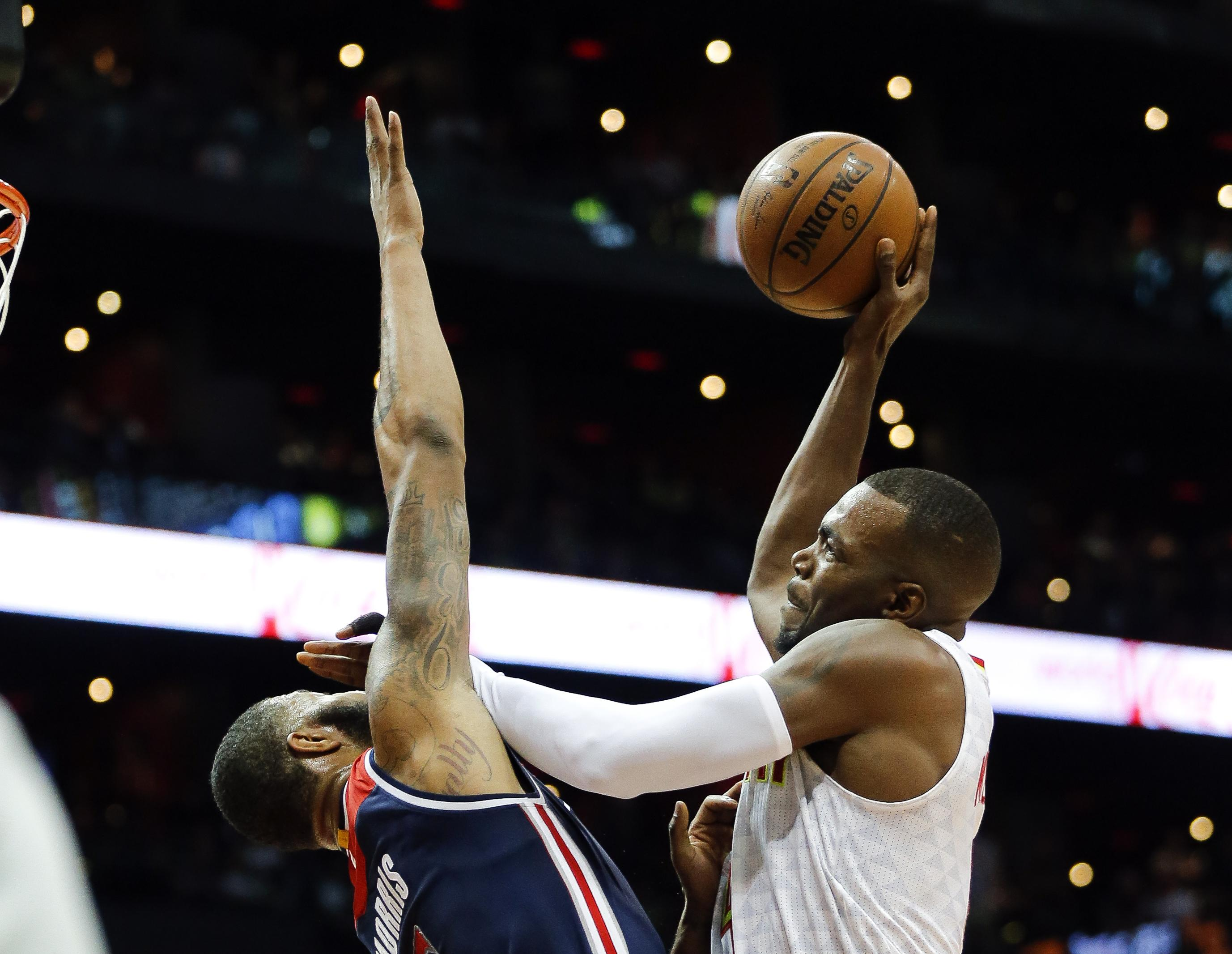 Wizards_hawks_basketball_61367
