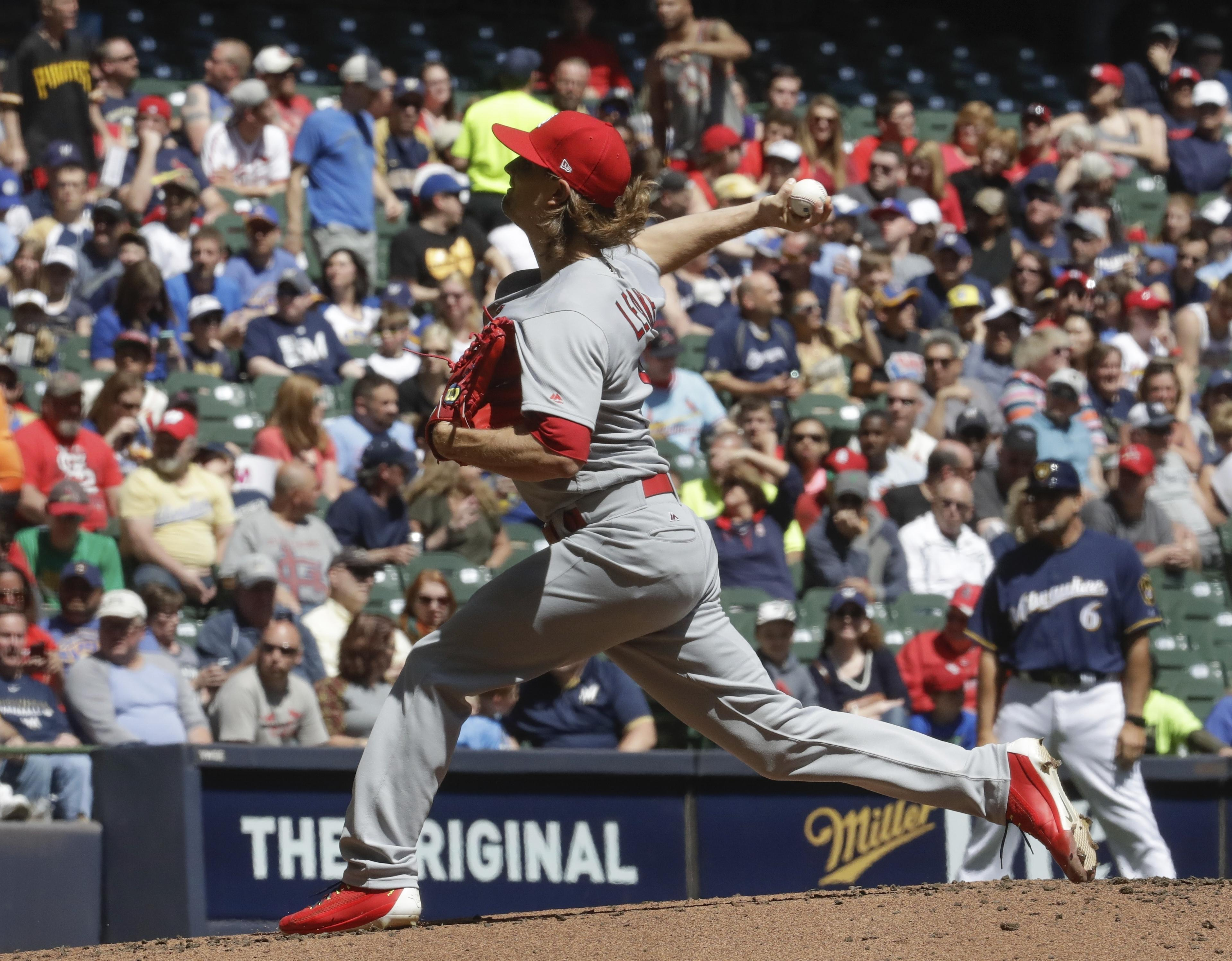 Cardinals_brewers_baseball_05245