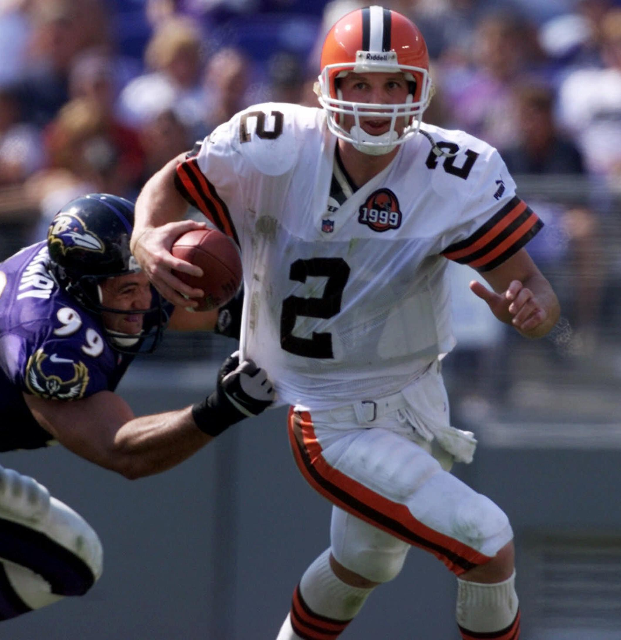 Browns_quarterback_quest_football_36795