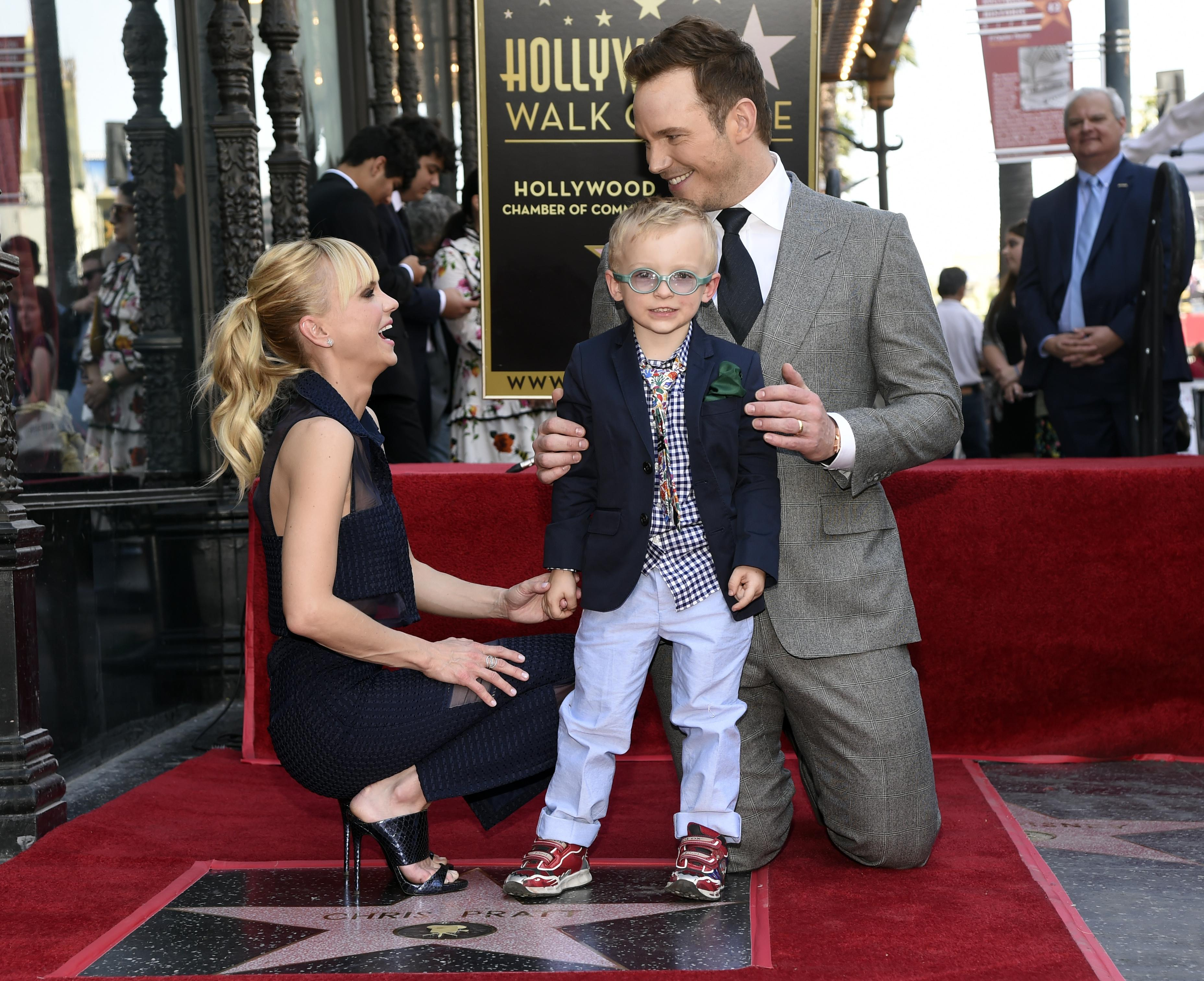 Chris_pratt_honored_with_a_star_on_the_hollywood_walk_of_fame_58451