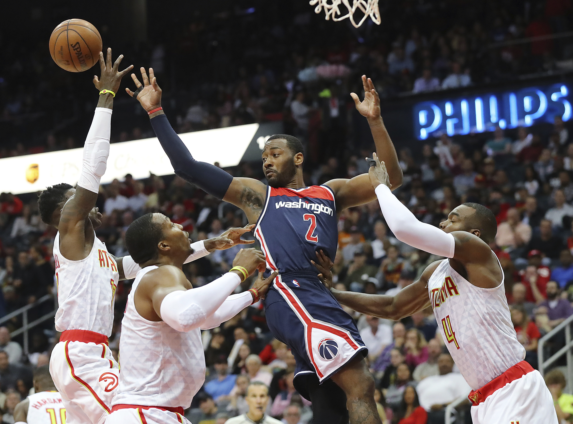 Wizards_hawks_basketball_86923.jpg-e077a