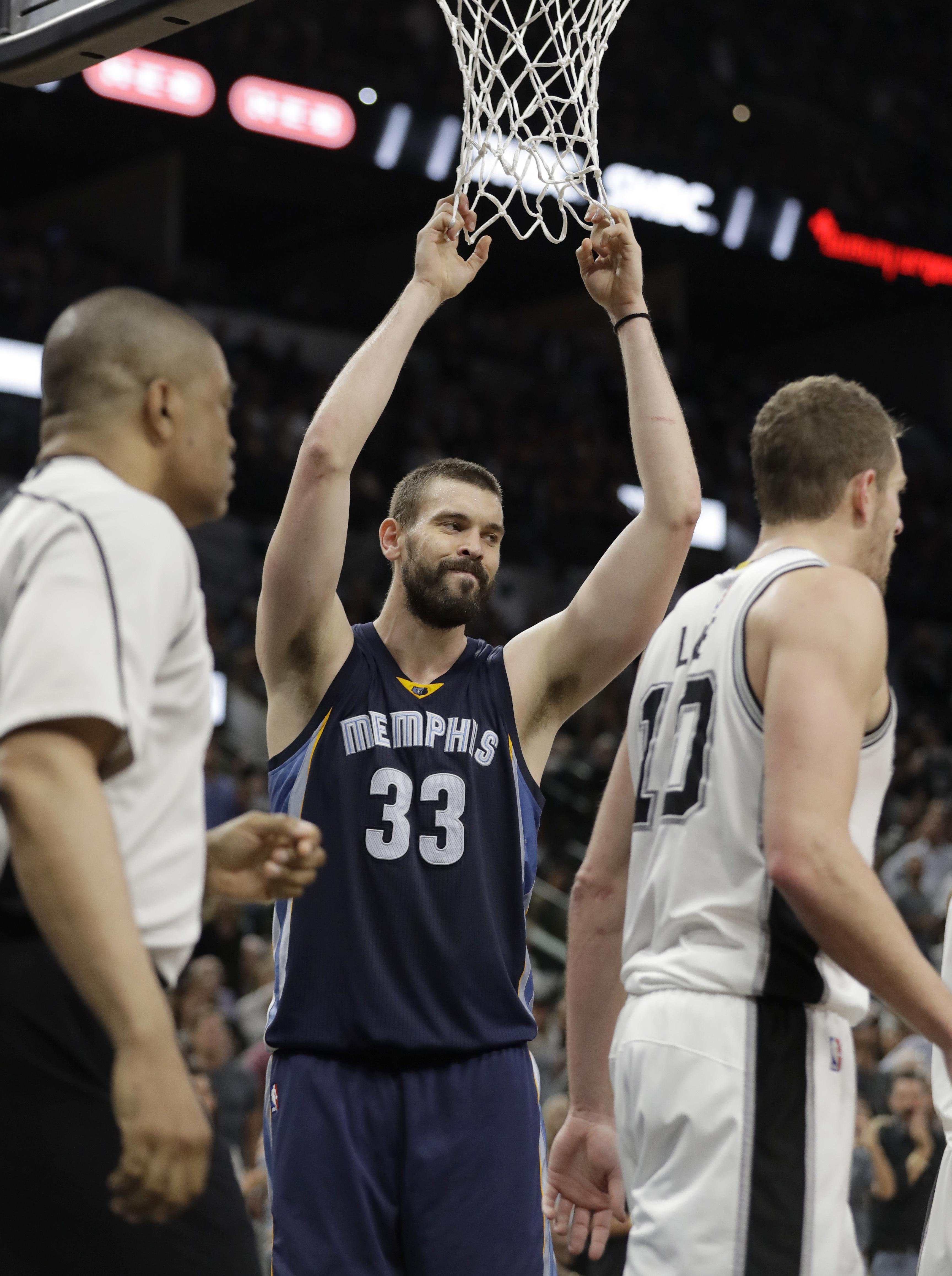 Grizzlies_spurs_basketball_73540