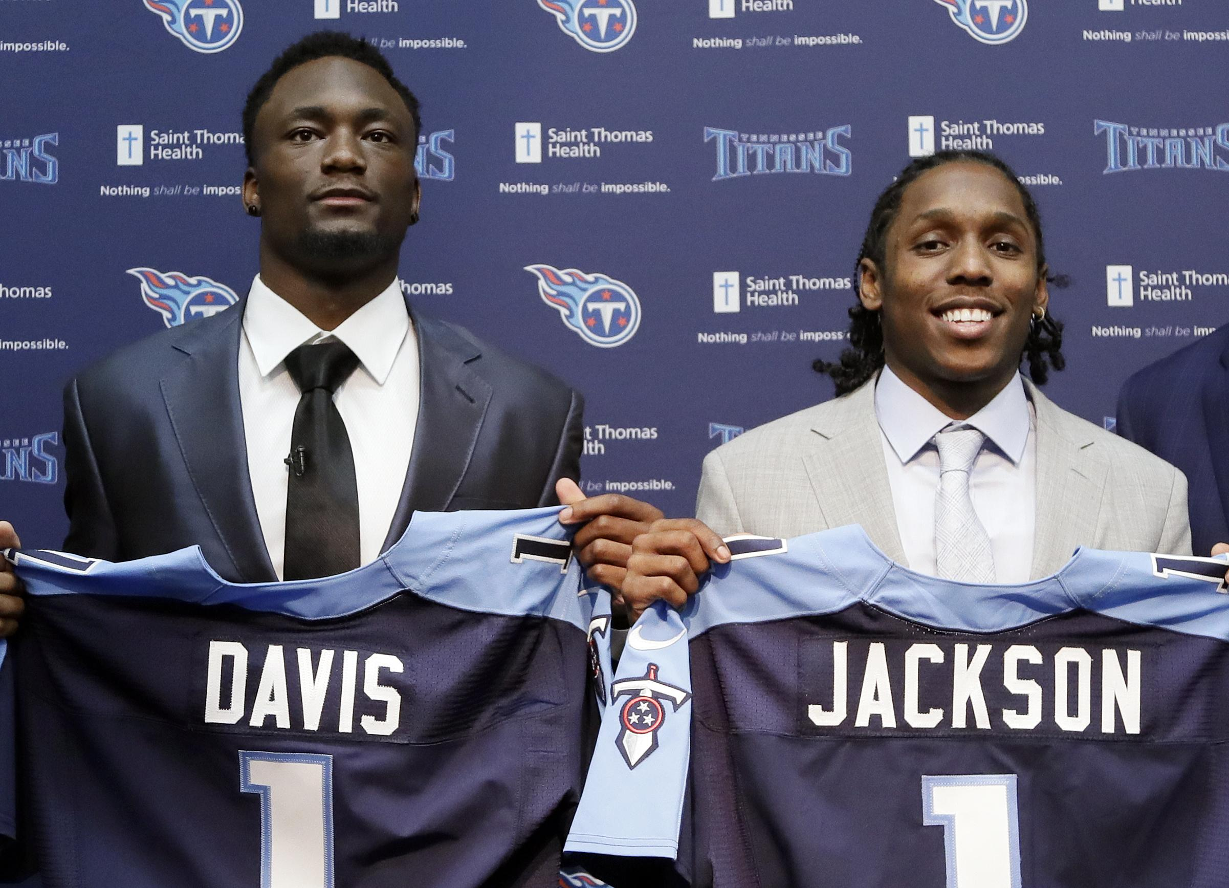 Draft_titans_football_00979