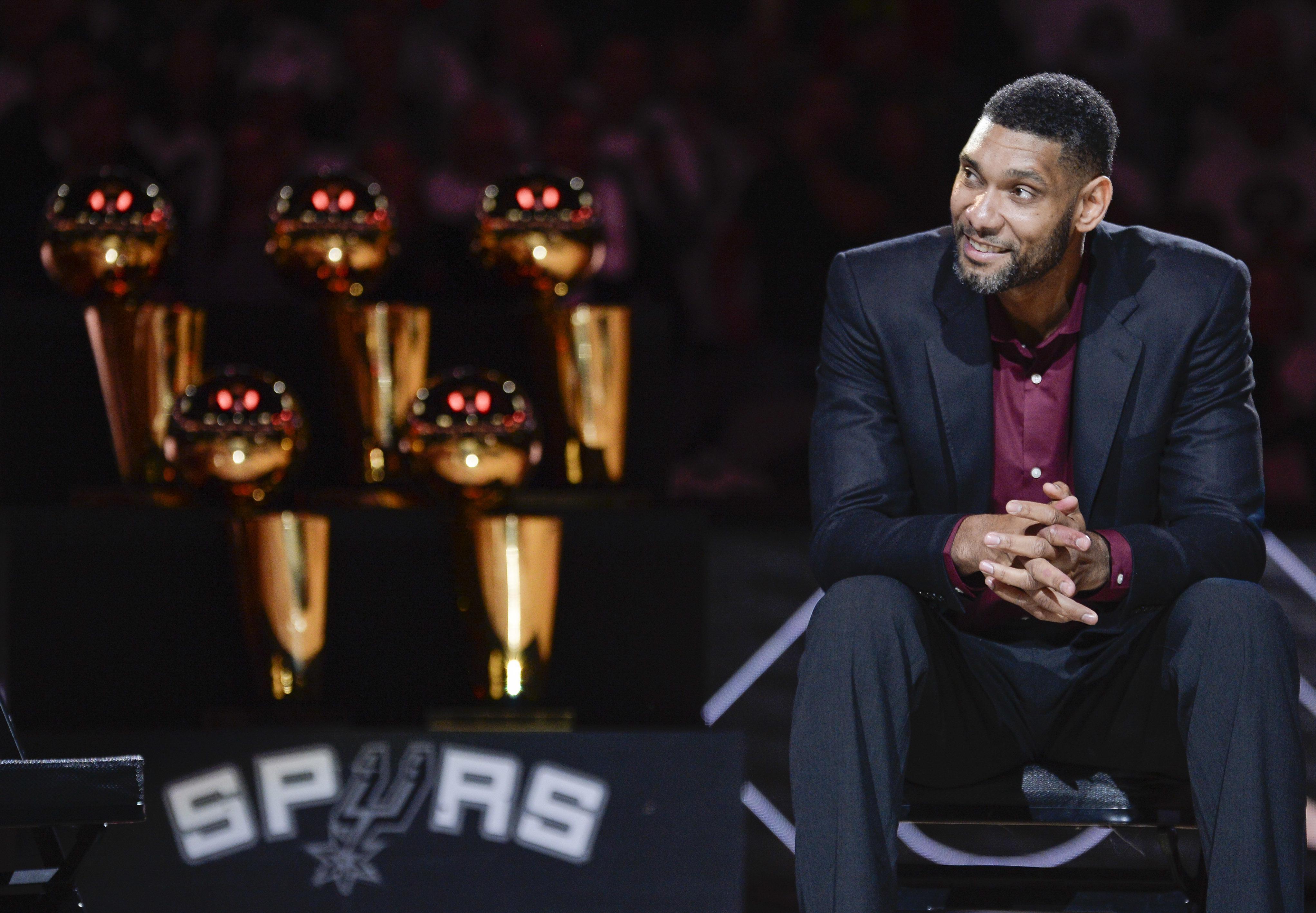 Spurs_duncan_basketball_36773