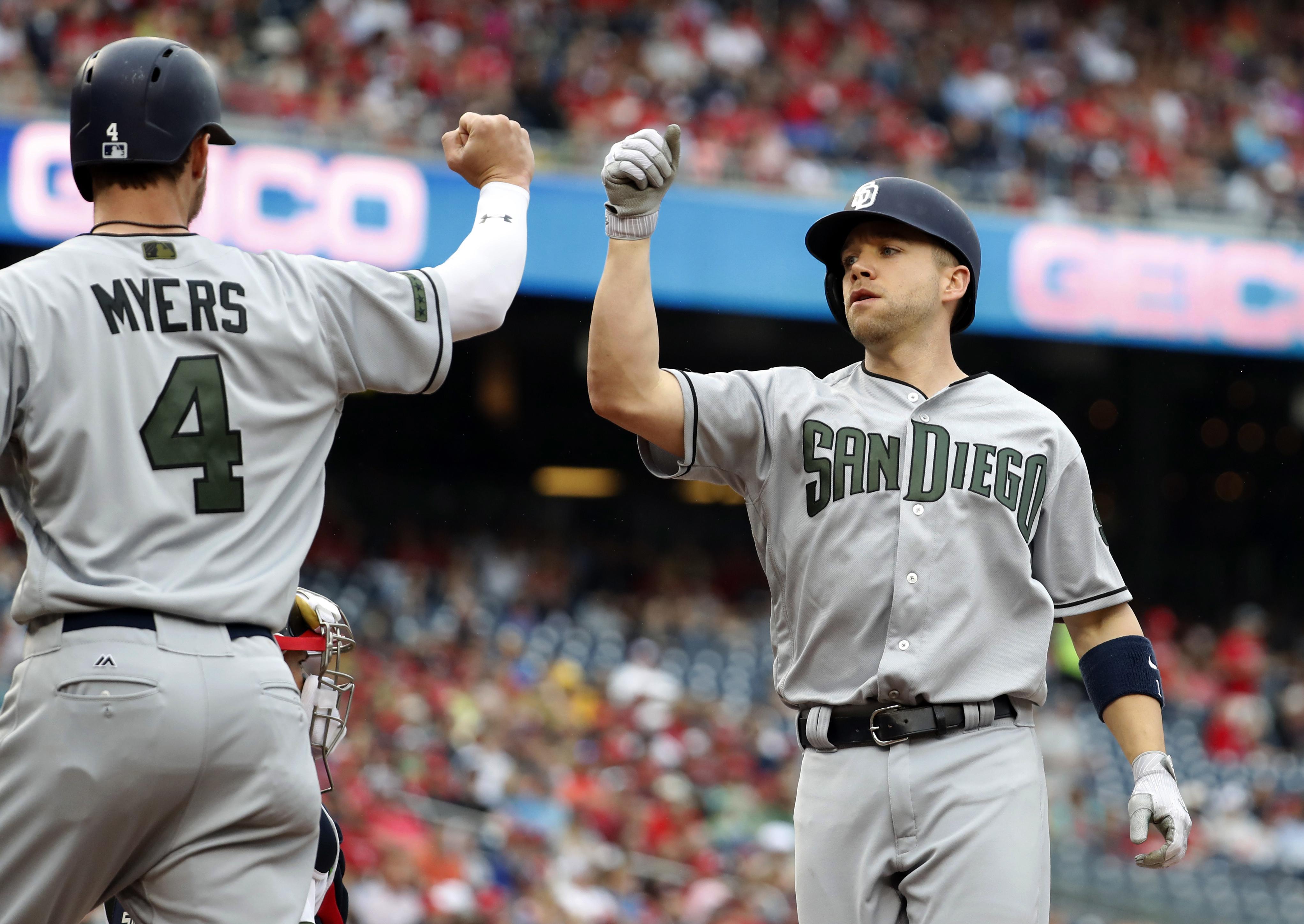 Padres_nationals_baseball_40436