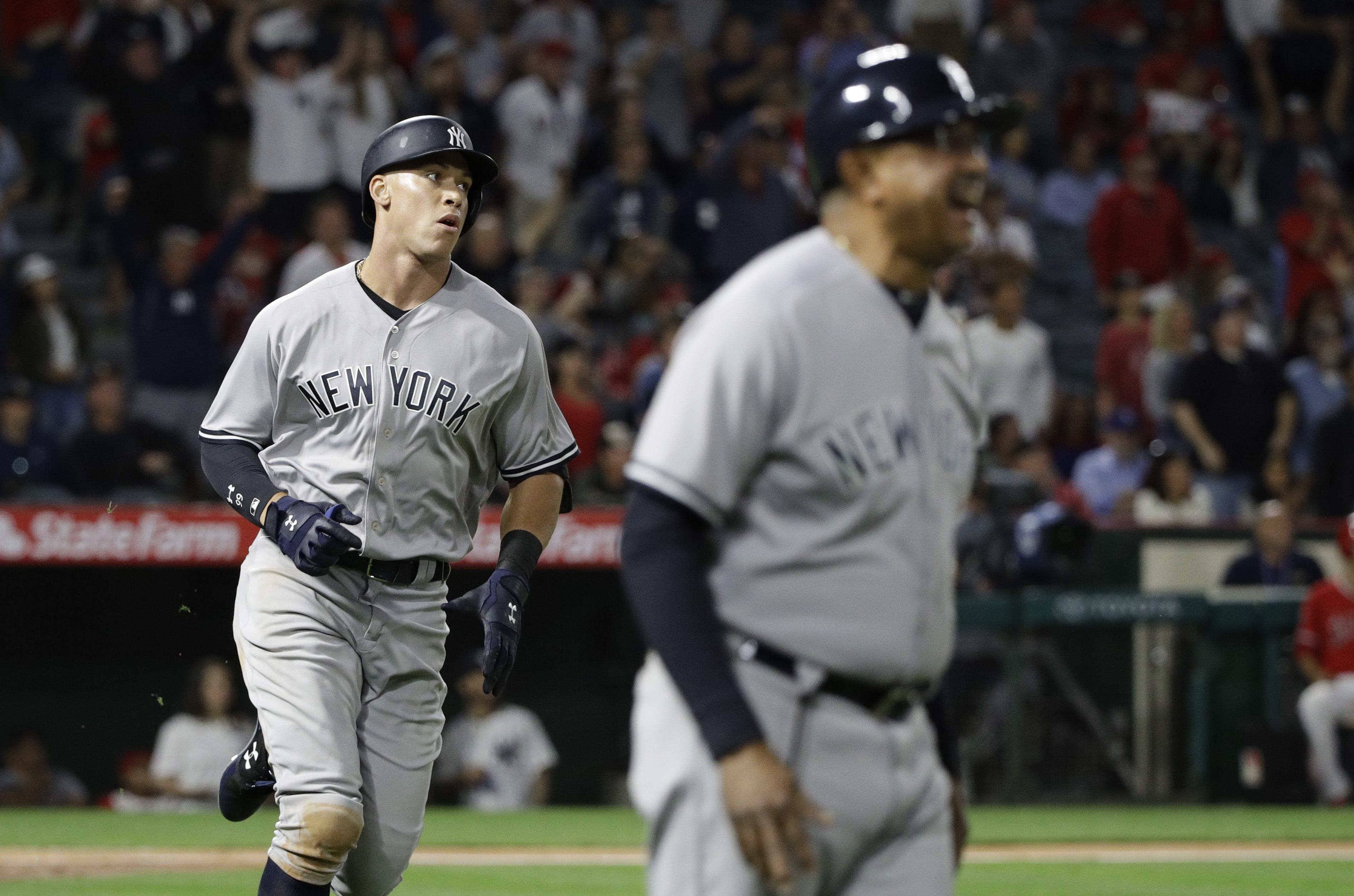 Yankees_angels_baseball_25059