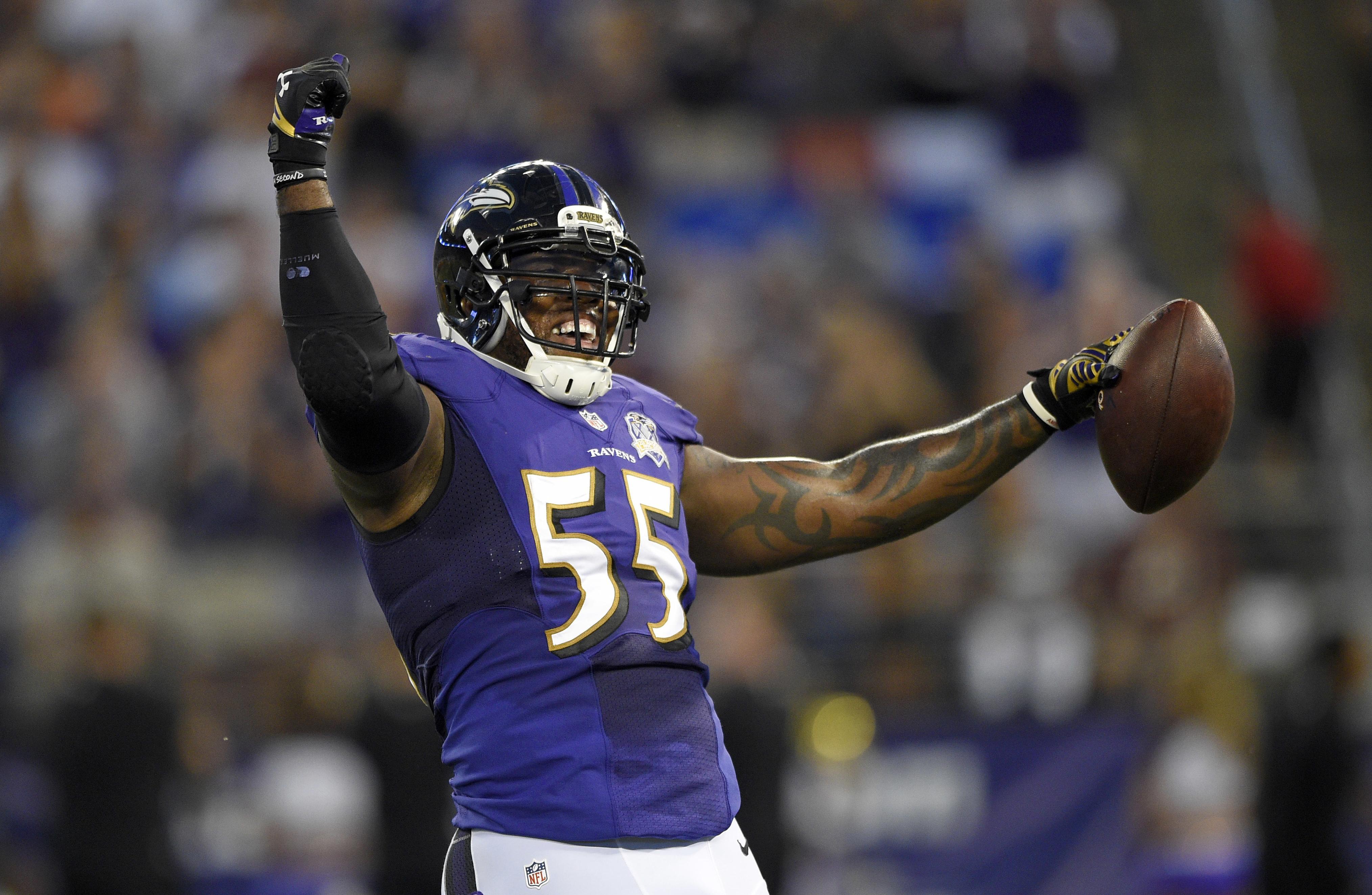Ravens_suggs_football_80201
