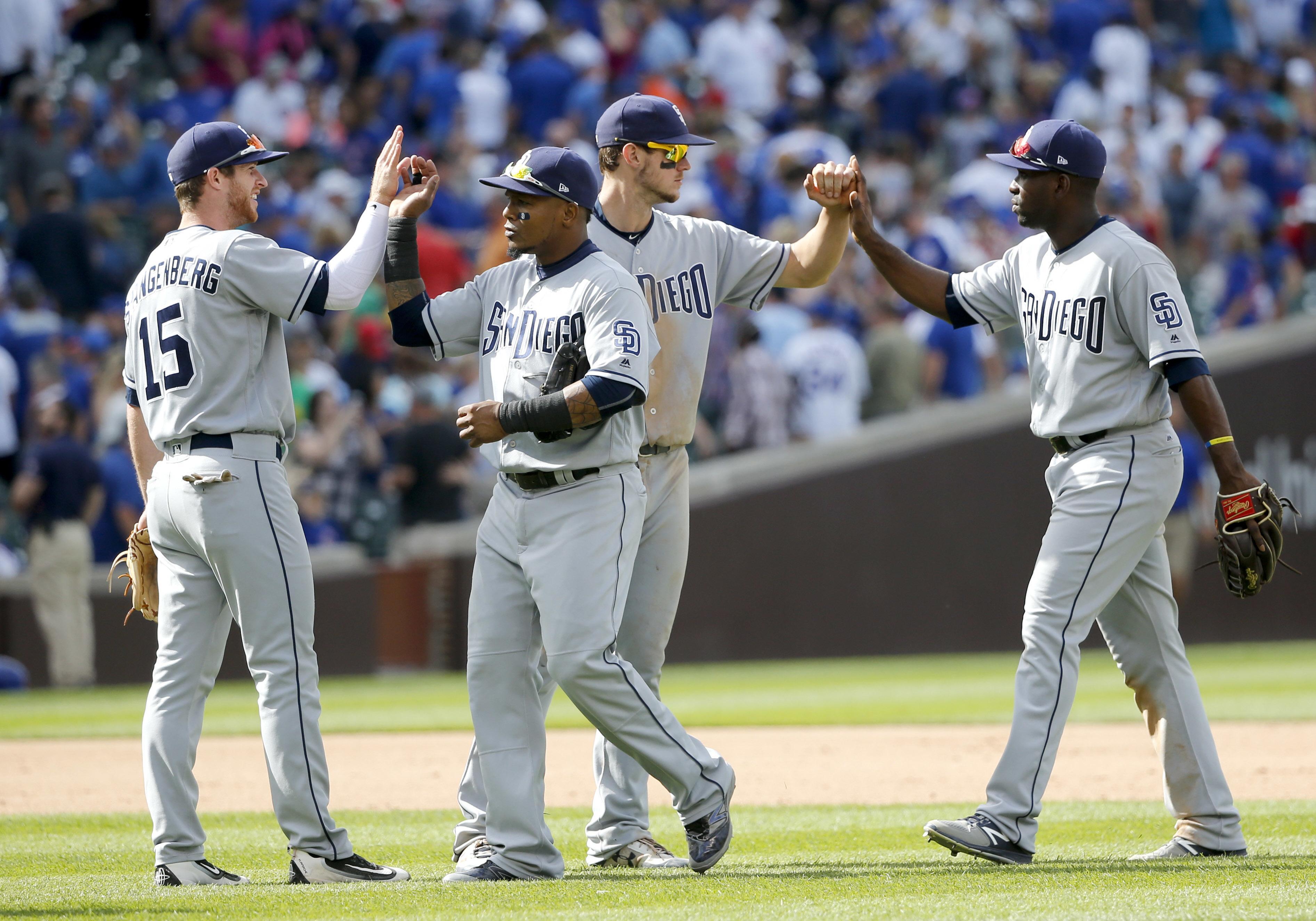 Padres_cubs_baseball_49001