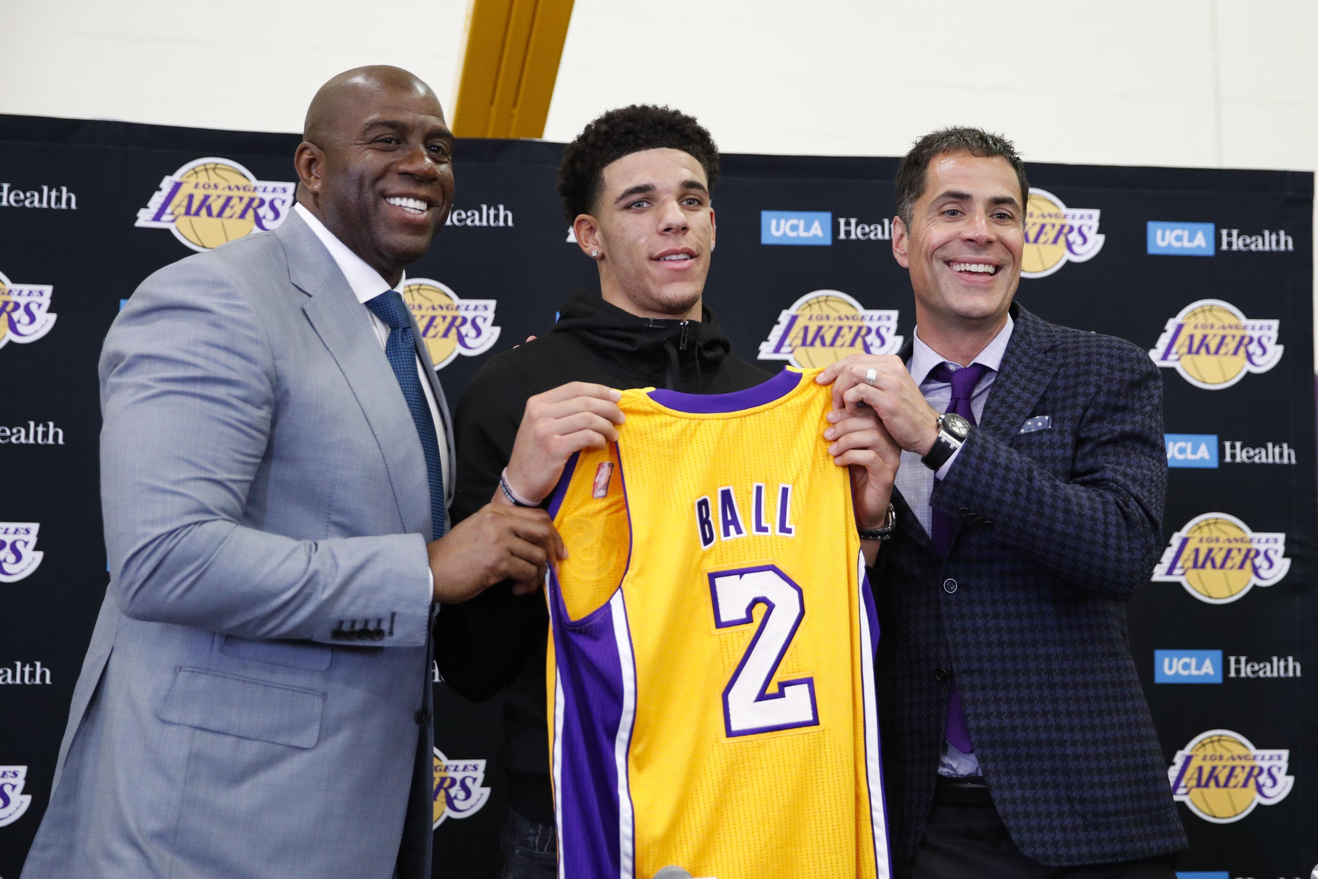 Lakers_ball_basketball_53095