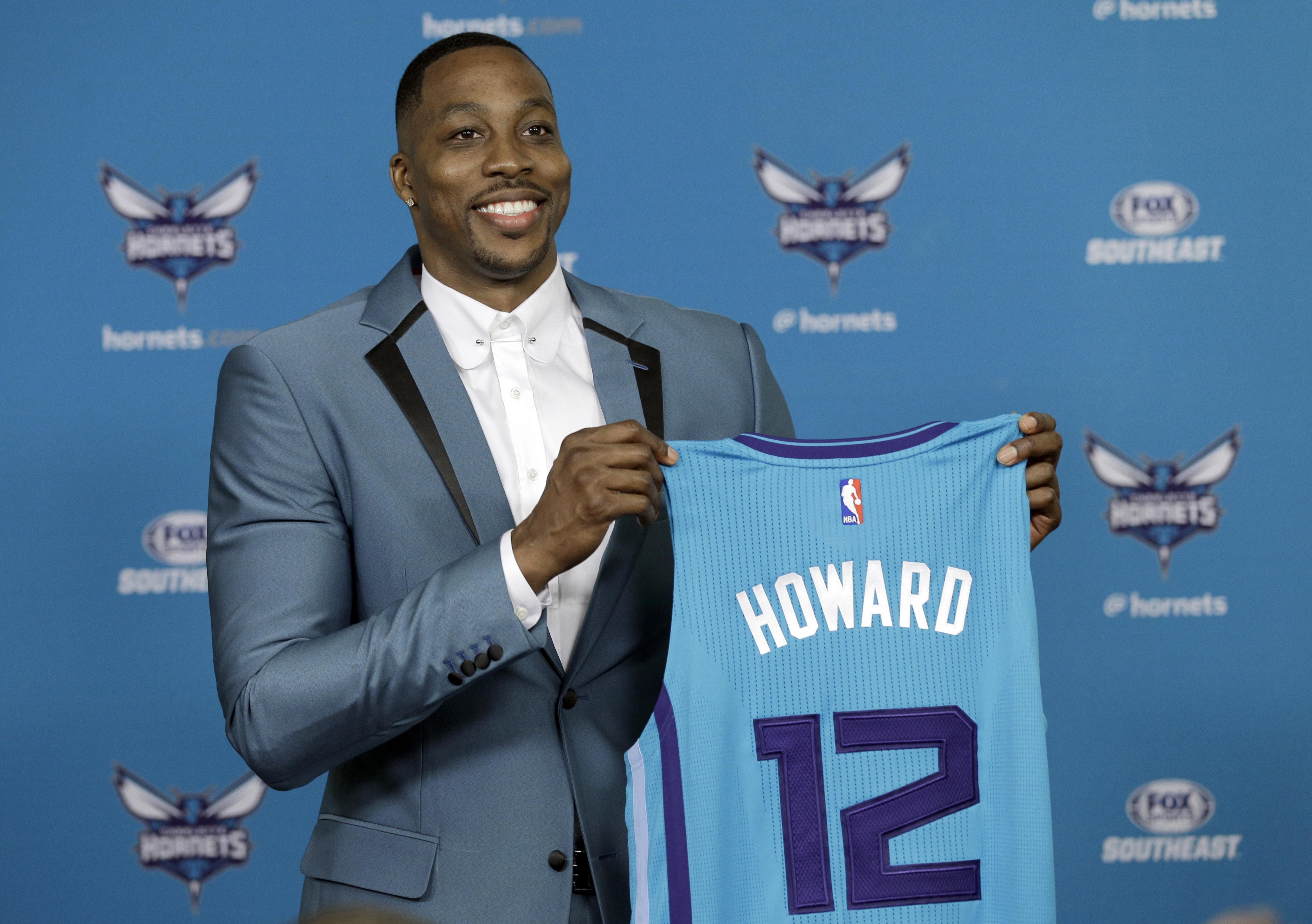 Hornets_howard_basketball_77917