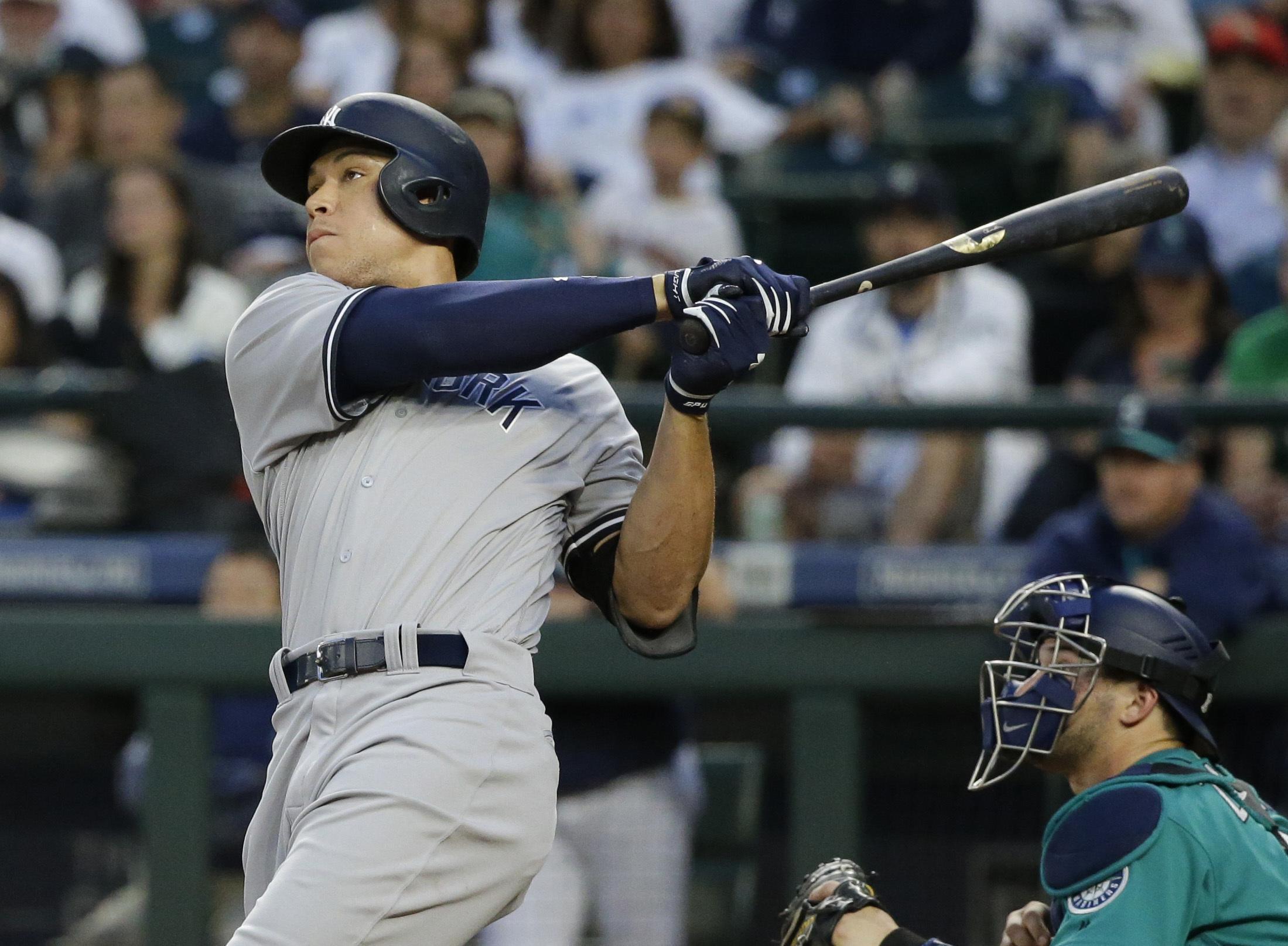Yankees_mariners_baseball_31220
